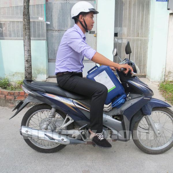 EM gốc rất dễ vận chuyển bằng xe máy