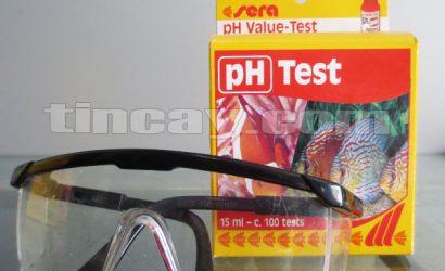 Đeo kính bảo hộ khi dùng test Sera