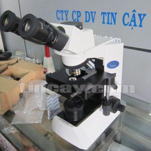 Kính hiển vi Olympus CX 31 nhìn từ trên xuống