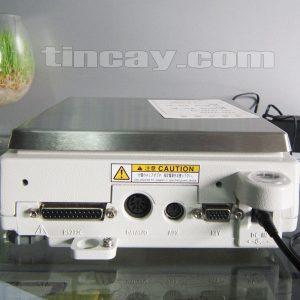 Cân điện tử Shimadzu UX 6200H (mặt sau)