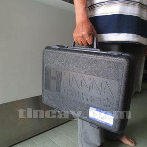 vali xách tay đựng máy đo độ mặn Hanna HI98192