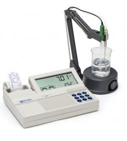 Máy đo pH/ORP để bàn HI122-02